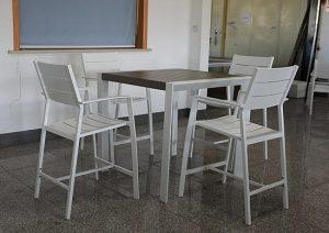 0412 Tall שולחן בר + 4 כיסאות