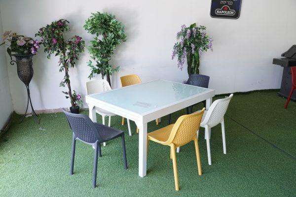 0432 שולחן נפתח 140-2.90 כולל 4 כיסאות פלסטיק