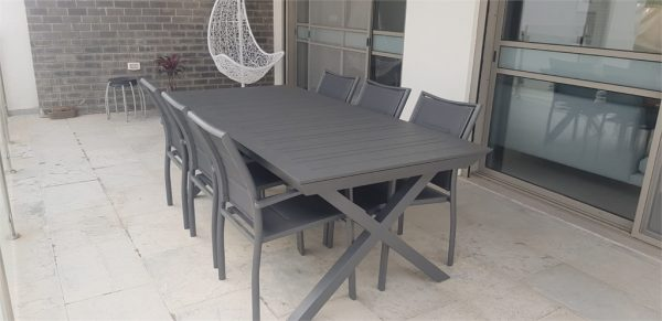 0423 שולחן 100 % אלומיניום רגלי X כולל 6 כיסאות מרופדים
