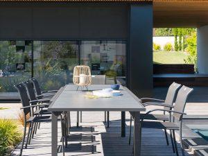 0408 שולחן דמוי עץ 200X100 נפתח ל3.20  כולל 6 כיסאות