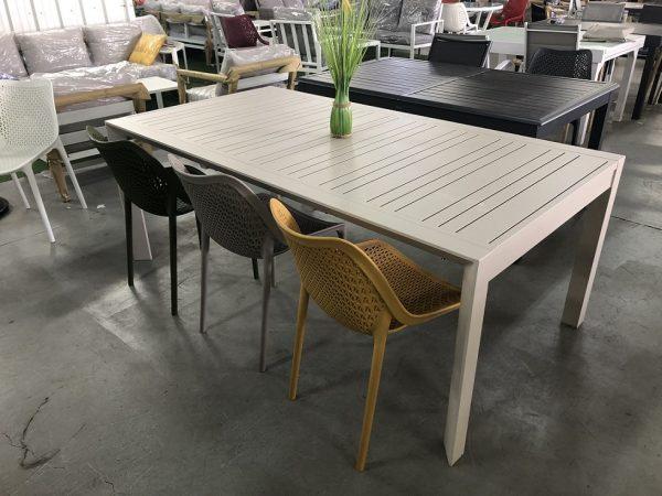 0440 Sfarad  שולחן נפתח ל3 מטר כולל 6 כיסאות