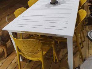 0475 שולחן נפתח 216-300 כולל 6 כיסאות צבעוניים